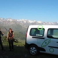 Comincia l'avventura! L'avvicinamento alla Tersiva lungo il vallone dell'Urtier inizia a bordo dell'auto elettrica del progetto R.ê.V.E. Grand Paradis